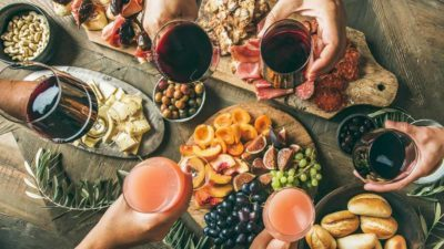 How To Avoid Overeating and Weight Gain at Holiday Parties